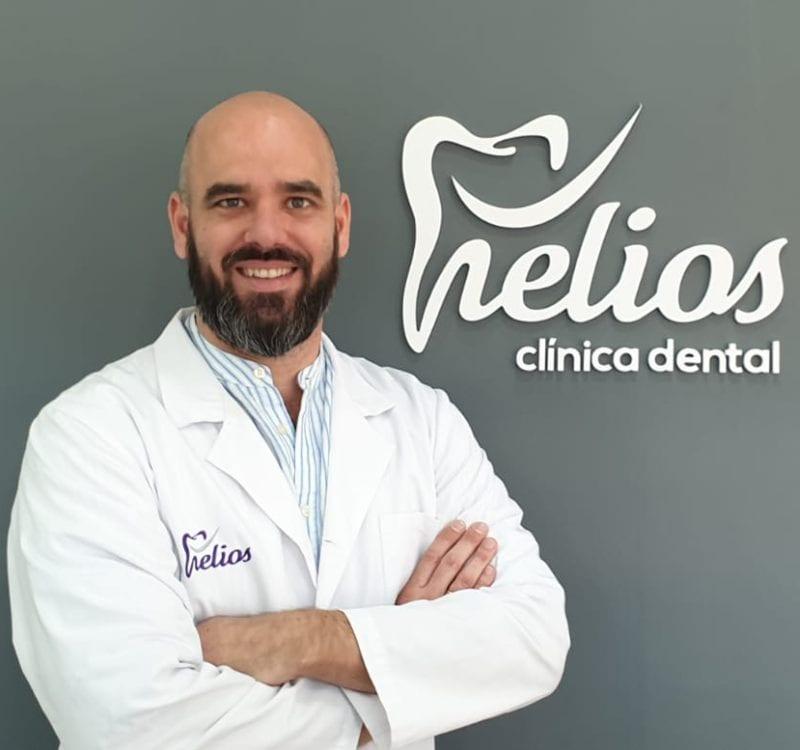 Carlos Cano - Director de la clinica Helident